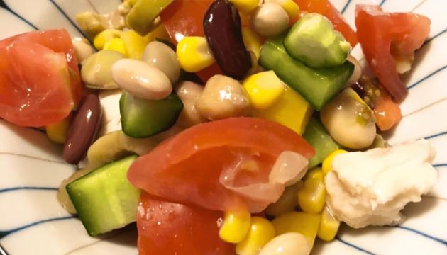 大豆とサラダチキンのサラダ!